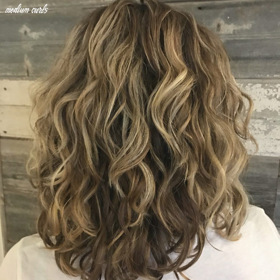 11 best shoulder length curly hair ideas (11 hairstyles