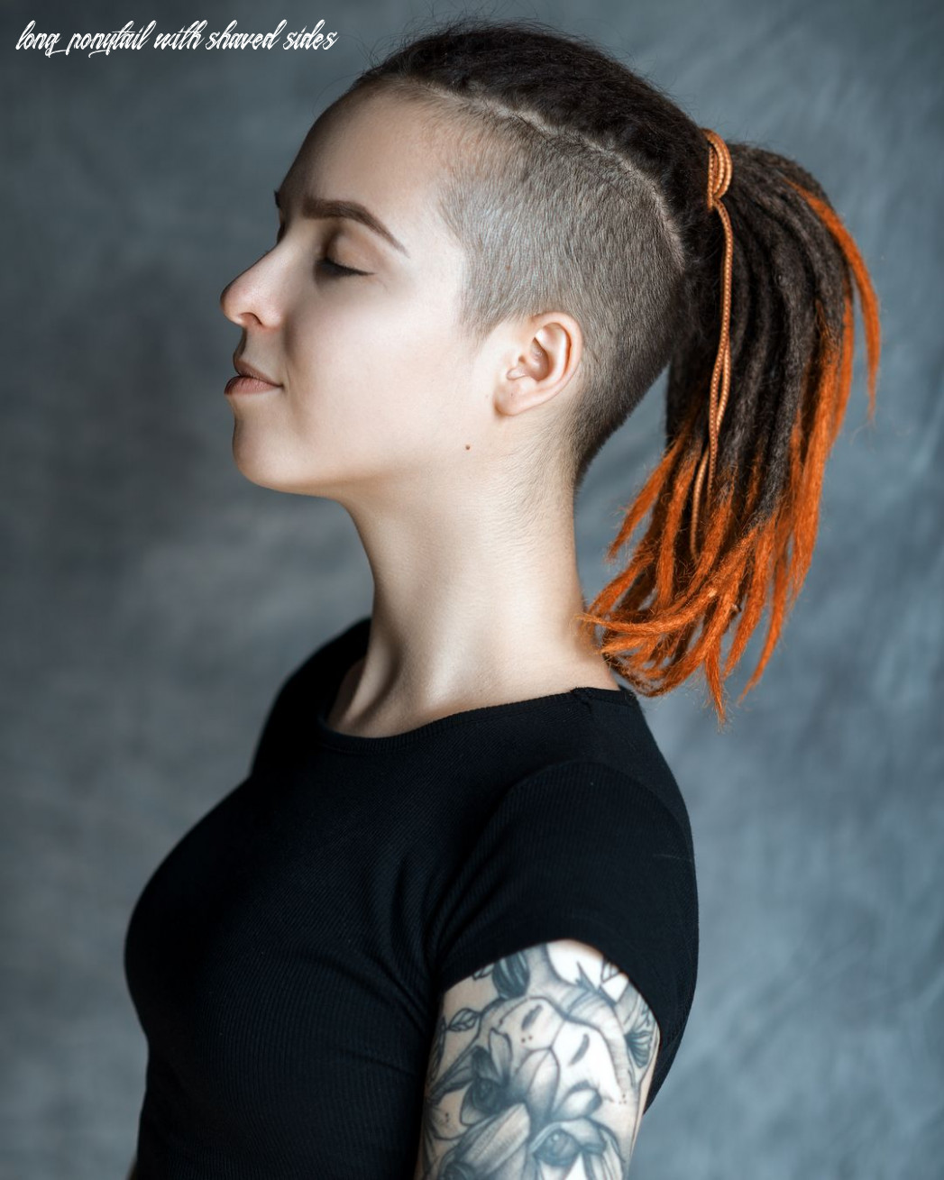 Dreadlock girl with shaved sides and ponytail   Короткие дреды