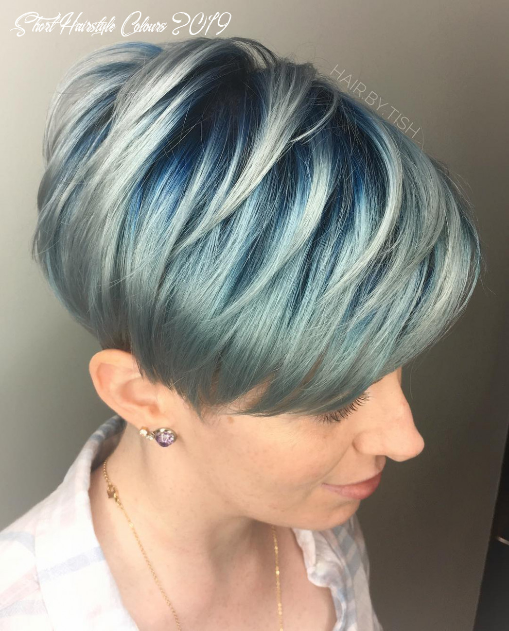 Short hair color ideas for female, chic short haircut for 10