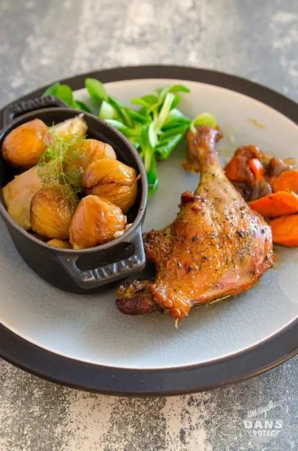 cuisse de canard braisée au four et marrons en cocotte