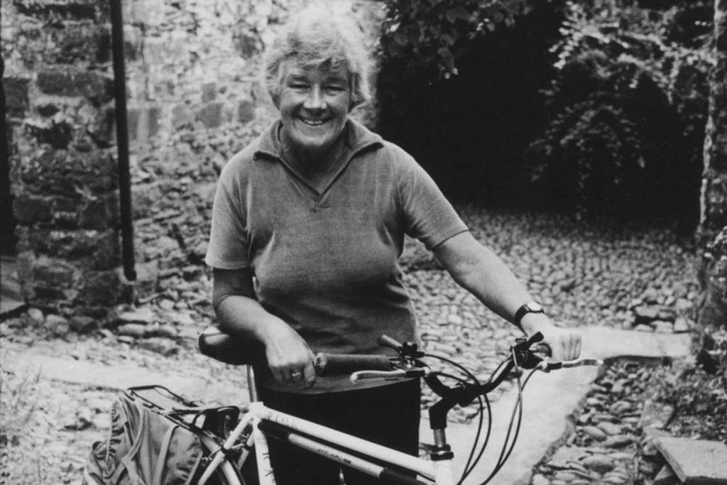 Dervla and her bicycle © | Conde Nast Traveler