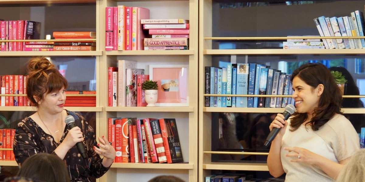 Actress America Ferrera interviews Amber Tamblyn at The Wing Dumbo © | Nikki Vargas