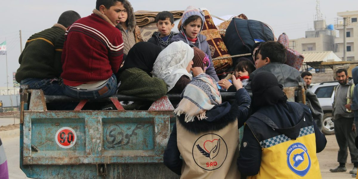 Relief teams distribute aid to Syrian refugees   © Mohammad Bash/Shutterstock