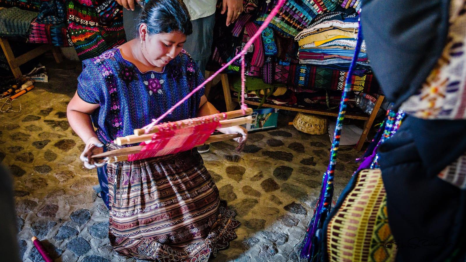 Traditional Guatemala weaving | © Steven dosRemedios/Flickr CC