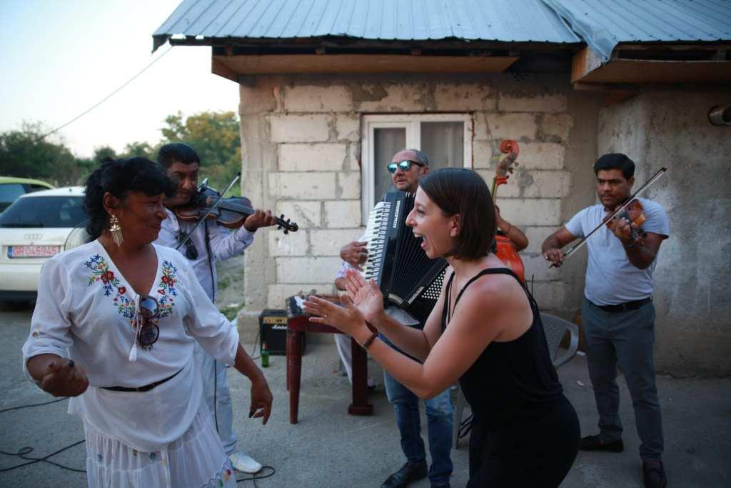 Taraf de Caliu in the village of Clejan in Romania © | Evan Carter/Season 3