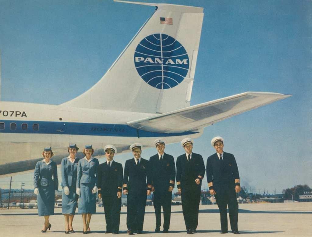 A 1959 Pan Am crew photo   © Callisto Publishers