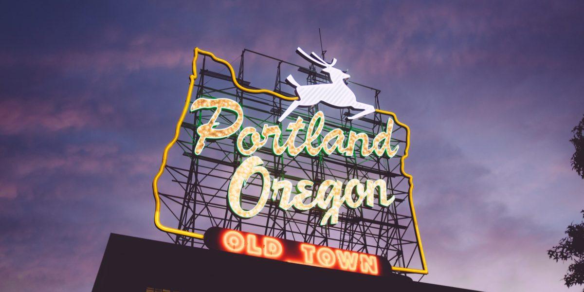 Portland, Oregon Sign in Old Town   © Zack Spear/Unsplash