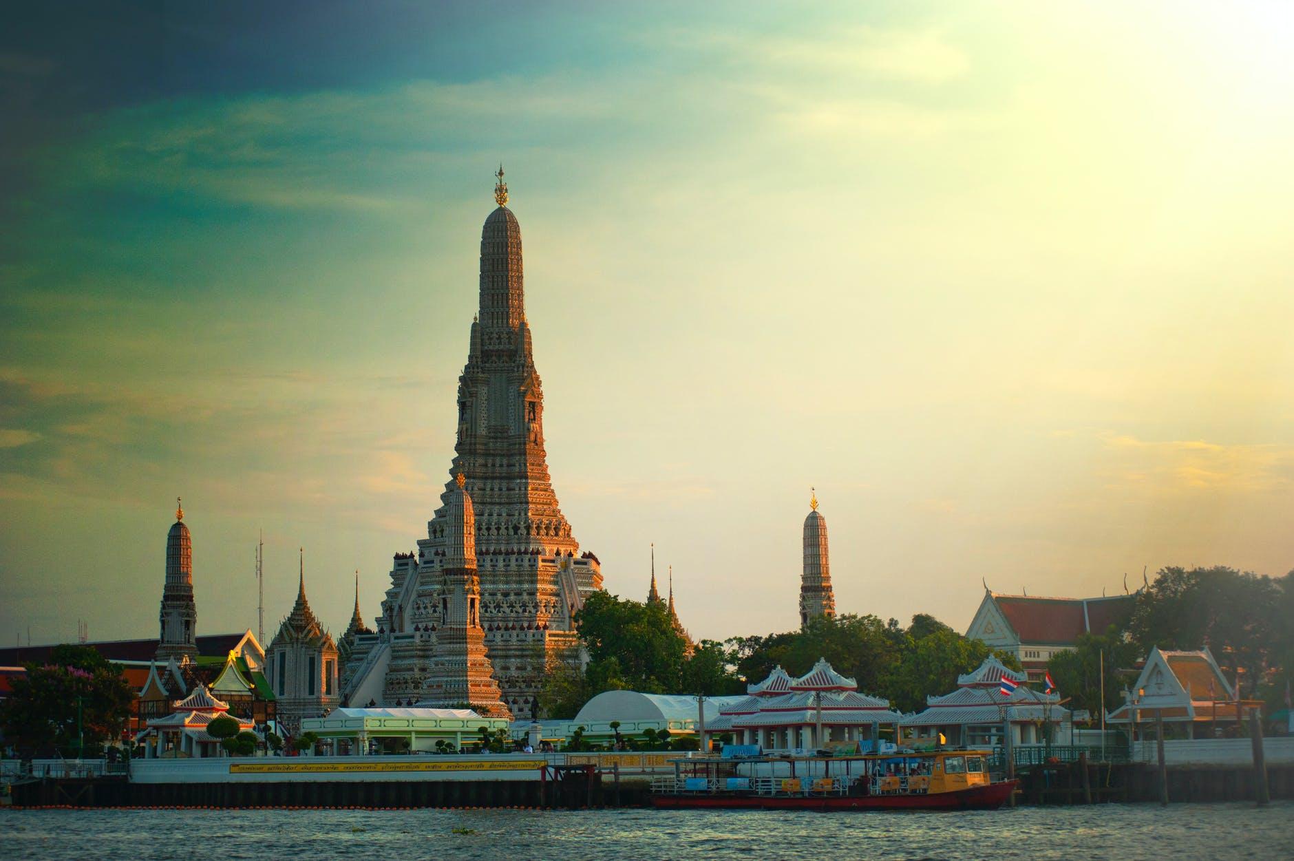 The skyline of Bangkok   @ Alexandr Podvalny/Pexels.com