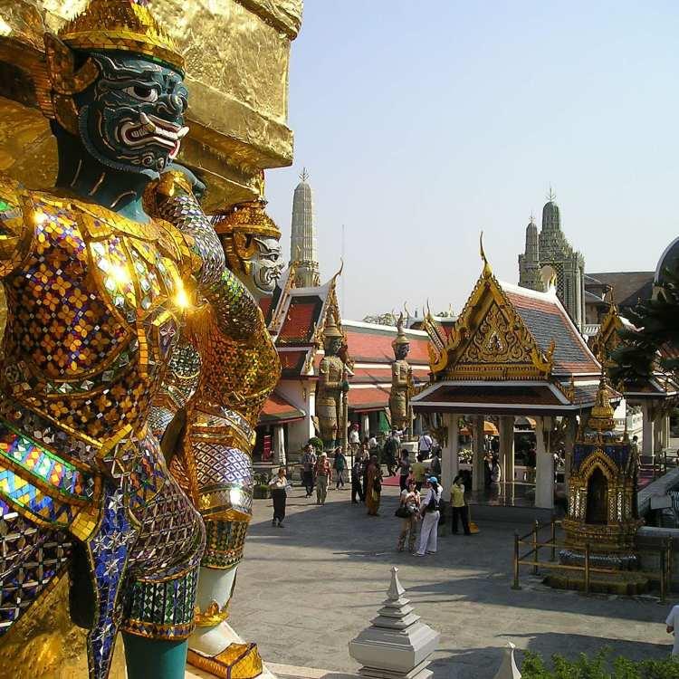 A Feminist City Guide to Bangkok