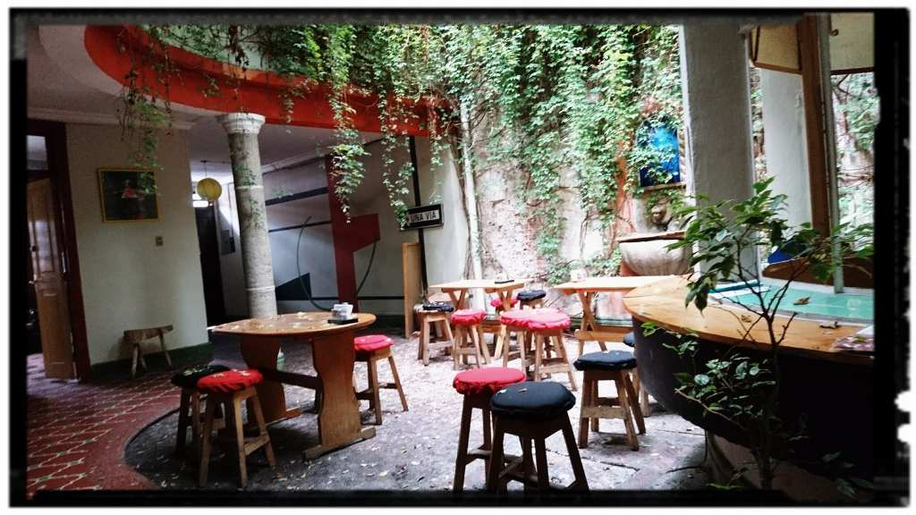 Courtyard of Pizza 502   © Pizza502/Facebook