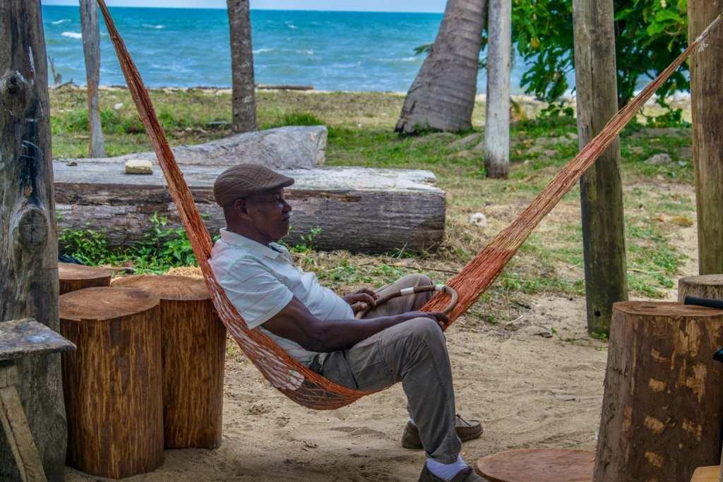 Austin Rodriguez, Central America's most famous Garifuna drum maker. | © Jessica Vincent