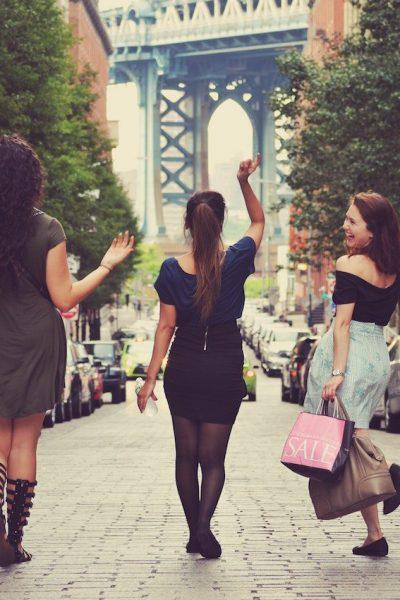 Discover feminist walking tours in cities including New York, Paris, Berlin, and more. | © Matias Difabio/Unsplash