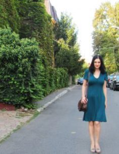 Casual outfit green dress