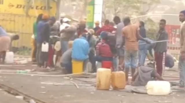 WATCH: Even The Gas Station Isn't Safe From Looters In South Africa!
