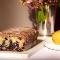 Pain ou «cake» aux bleuets, aux graines de pavot et citron
