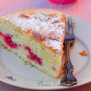 Gâteau à la crème fraîche, framboises et citron vert – Irrésistible!