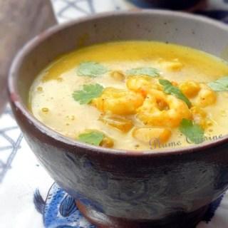 Crevettes express au curry et lait de coco