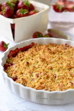 Crumble-aux-fraises-rapide