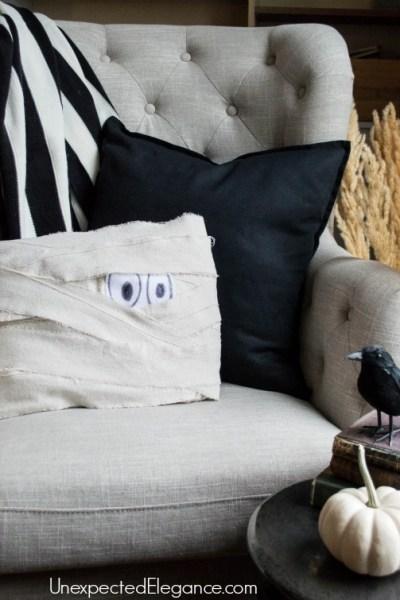 10 Minute Halloween Craft | Mummy Pillow