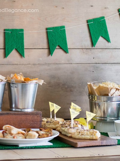 Easy Super Bowl Party Decor   5 Minute Turf Banner