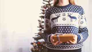 51 Cheap Gift Ideas Under $10 (that people will actually want!)