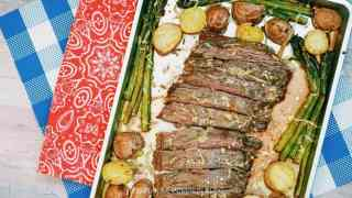 Garlic Parmesan Steak with Asparagus