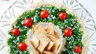 25 Holiday Appetizers for a Crowd - Easy Christmas Finger Foods!