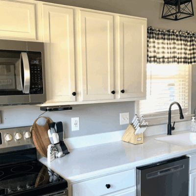 Kitchen Counter Organization Ideas (+7 tricks to keep it clutter free!)