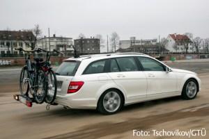Für den Fahrradtransport eignen sich Heckträger besonders gut. (Foto: Tschovikov/GTÜ)