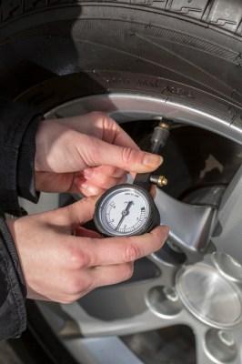 Korrekter Reifendruck vermindert die Abnutzung, vergrößert die Sicherheit, spart Sprit und bietet mehr Komfort. Foto: Nokian Tyres.