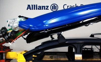 Die Dachbox beim Crash. Foto: Allianz Deutschland AG.