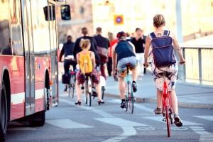 Rund 400 Fahrradfahrer verunglücken jährlich bei Verkehrsunfällen. ACV Automobil-Club Verkehr/Shutterstock Connel.
