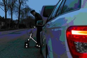 Reflektoren erhöhen die Sichtbarkeit im Dunkeln. Foto: Dekra.