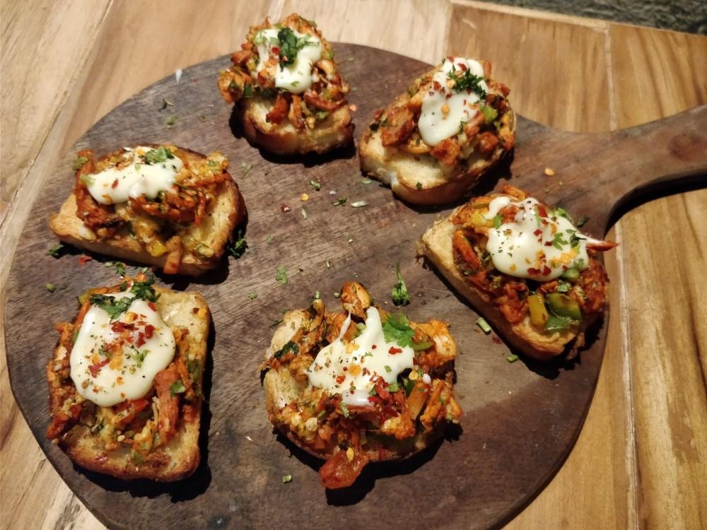 Tandoori Chicken Crostini