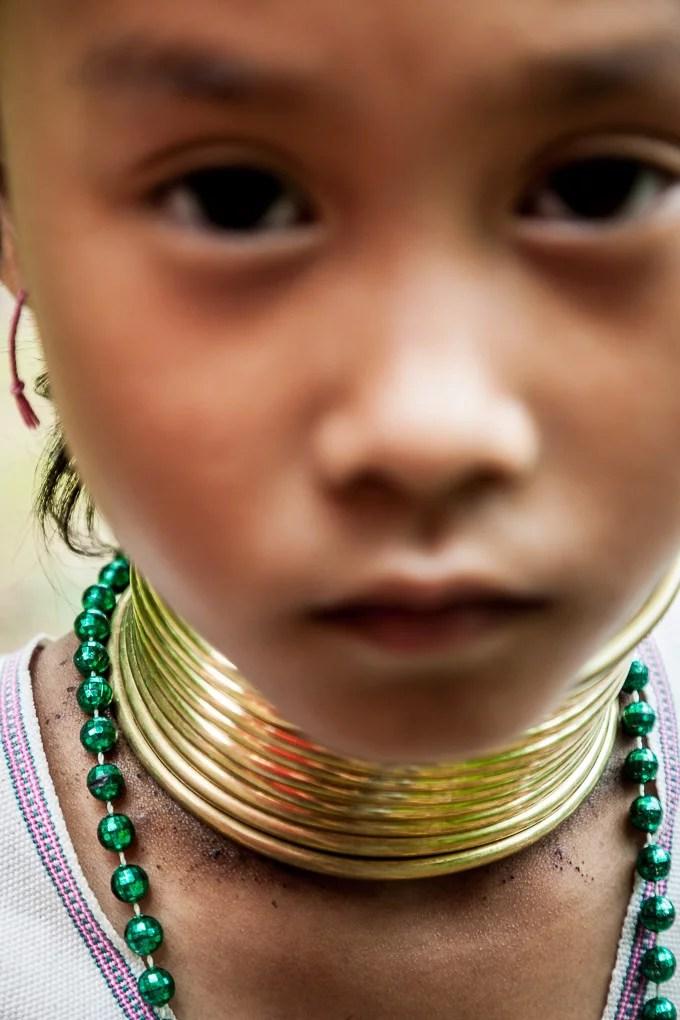 tailandia-tribus-mujeres-karen-jirafa-cuello-largo_8