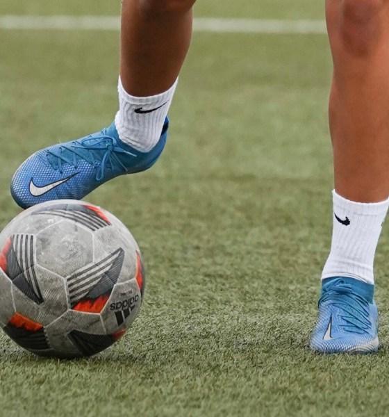 Fotbollsövningar: 10 roliga passningsövningar för barn