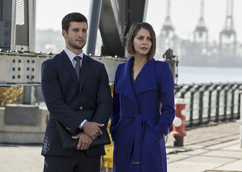 "Arrow -- ""Brotherhood"" -- Image AR407B_014b.jpg -- Pictured (L-R): Parker Young as Alex Davis and Willa Holland as Thea Queen -- Photo: Cate Cameron/The CW -- © 2015 The CW Network, LLC. All Rights Reserved."
