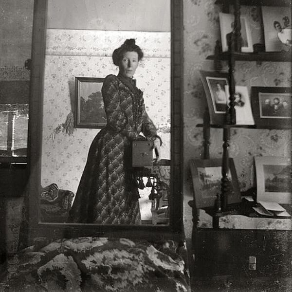 la primera selfie de una mujer