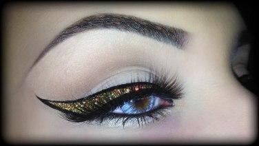 christmas-glitter-makeup-tips-2016-3