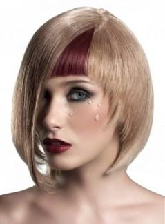 tagli-corti-sfilettati-capelli-autunno-inverno-2014-taglio-medio-corto-biondo-con-frangia-colorata