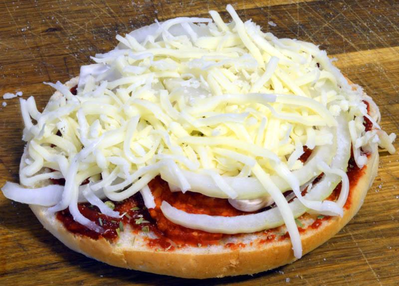 pepperonipizzaburger3