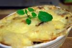 Pølsegrateng med potet og brokkoli