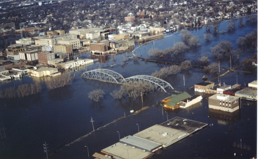 LIZ FEDOR: Journalism And The Grand Forks Flood
