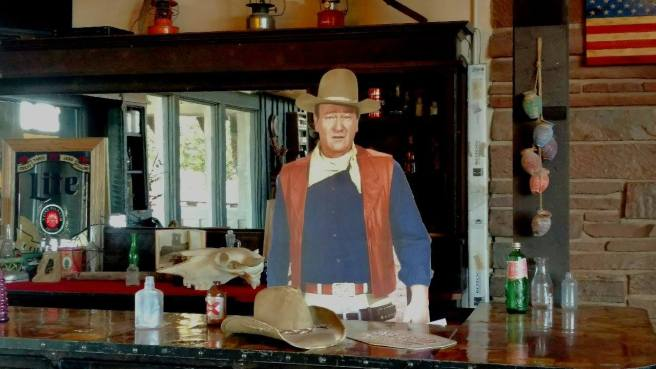 After a long, hot day touring Monument Valley, John Wayne set us up a beer!