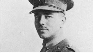 Wilfred Owen.