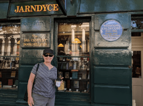 Jarndyce Bookstore, across the street from the British Museum. See the blue Caldecott emblem. These markers are everywhere in England, an island rich in history. Know Jarndyce from Dickens?