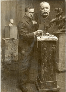 Sculptor James Earle Fraser studied in Paris before returning to the United States in 1902, where he set up a studio in New York that he made his headquarters for the next 50 years.