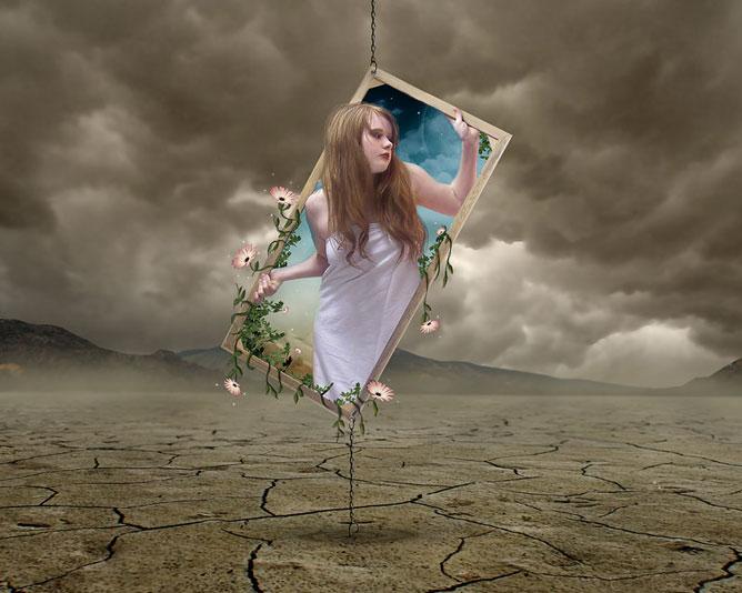 Kopár tájkép egy mágikus tükörrel amiből virágok nőnek és és egy fiatal lány hajol ki