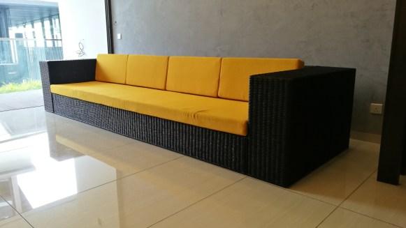 4/seater wicker sofa