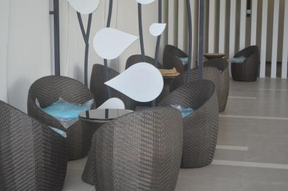 outdoor round chair at elite height 2